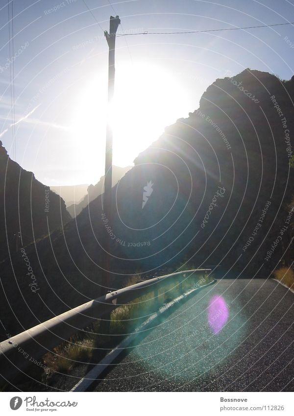 magische landstraße Landstraße Telefonmast Strommast Teer Leitplanke Sonnenuntergang Verkehrswege Straße Wege & Pfade