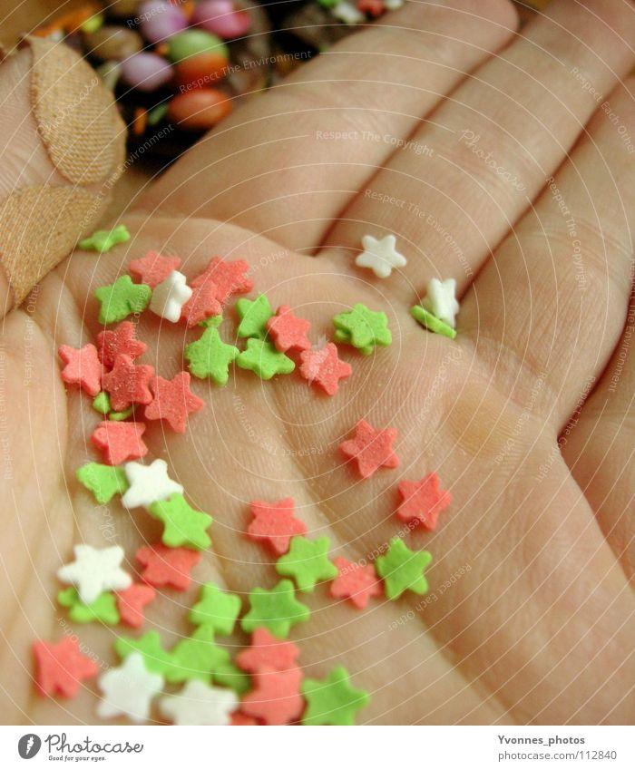 Auf die Plätzchen, fertig, los! Handfläche Stern (Symbol) Bastelmaterial Nahaufnahme Anschnitt Bildausschnitt Detailaufnahme winzig klein viele