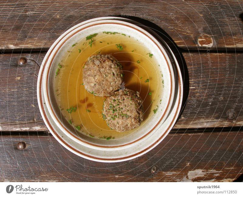 Semmelnödelsuppen Ernährung Tisch lecker Teller Bayern Österreich Tradition Suppe