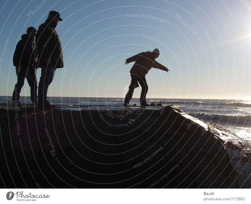 slide blau Wasser Ferien & Urlaub & Reisen Sommer Strand Freude Ferne Erholung Spielen Küste Sand Familie & Verwandtschaft Freundschaft Zusammensein Wellen