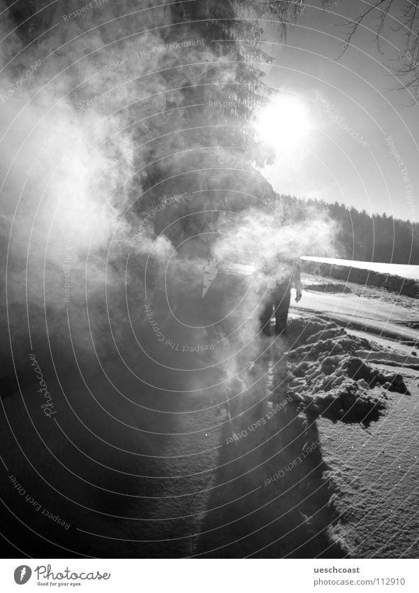 grillen mal anders Mensch Himmel weiß Sonne Winter schwarz Landschaft kalt Graffiti Nebel Schweiz Rauch mystisch