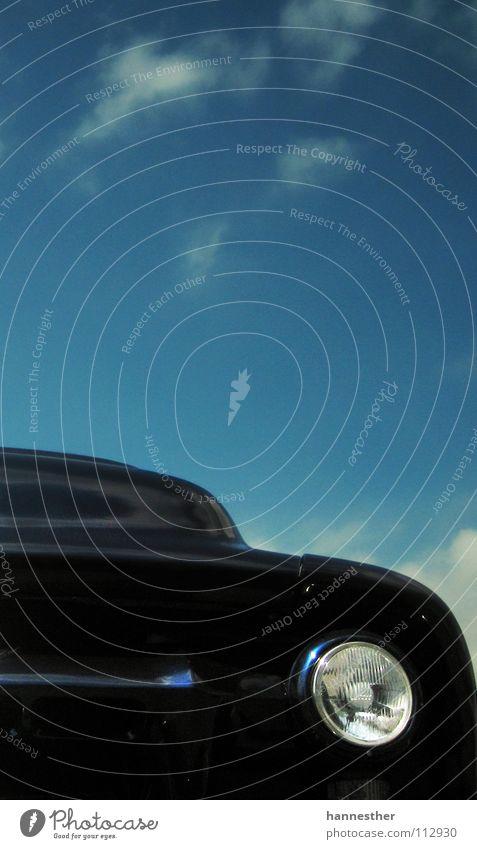 der bucklige Himmel blau Sonne Wolken Straße Wärme Freiheit PKW Wetter Freizeit & Hobby Verkehr fahren Asphalt violett Physik Scheinwerfer