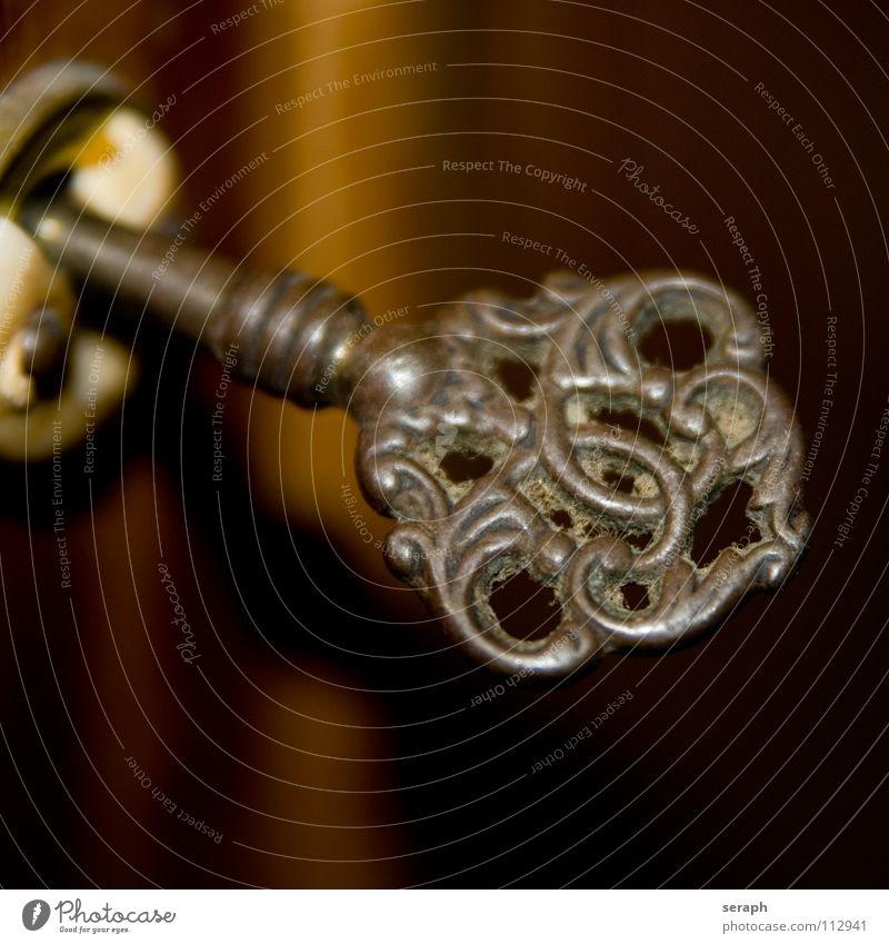 Schlüssel alt geheimnisvoll Rost Hintergrundbild verstaubt Staub mystisch einzeln Ornament kunstvoll Symbole & Metaphern Metall Detailaufnahme Makroaufnahme
