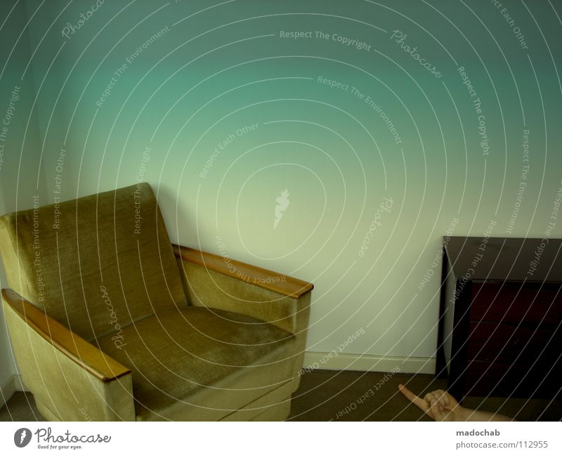 LOST Mensch Mann Einsamkeit Traurigkeit lustig Raum verrückt Trauer Körperhaltung Kommunizieren Hut Mütze dumm Müdigkeit trashig Trennung