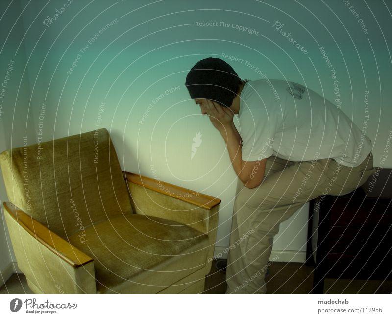 JAPANER Mensch Mann Jugendliche Einsamkeit Traurigkeit lustig Raum verrückt Trauer Körperhaltung Hut Mütze dumm Müdigkeit trashig Trennung