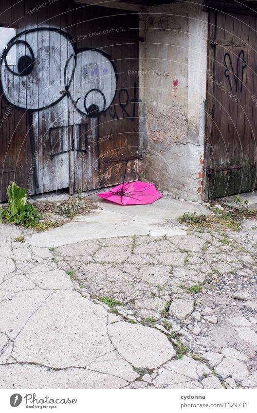Ein Auge auf ihn haben Stadt Traurigkeit Architektur Graffiti Stil Tod Lifestyle Wetter Design Tür beobachten Vergänglichkeit kaputt entdecken Verfall Müll