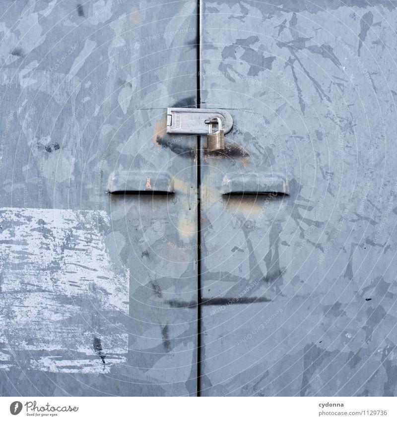 Unveröffentlicht Stadt Gesicht Gefühle Freiheit Metall Design Tür ästhetisch Kreativität geschlossen einzigartig Schutz Hilfsbereitschaft Neugier Sicherheit