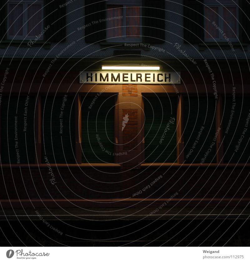 Angekommen Himmel Freude Ferne Tod Gefühle Glück Wege & Pfade Religion & Glaube träumen Wetter Wohnung Verkehr Schriftzeichen Zukunft Buchstaben Ziel