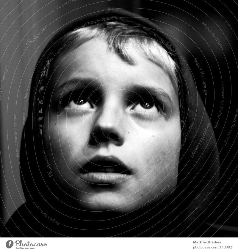Erleuchtung Mensch Kind Jugendliche schön Freude Einsamkeit Gesicht Erholung Auge dunkel Junge Glück klein Denken blond Fröhlichkeit