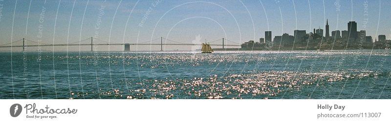 Bay Bridge San Fran Kalifornien Meer Säule glänzend Morgen Brücke San Francisco Bucht San Franciso Skyline überspannen Wasser Straße Oakland Bay Bridge