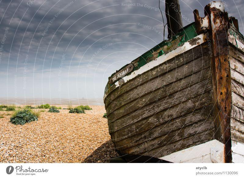 Stranded Ferien & Urlaub & Reisen alt Wasser Sommer Meer Einsamkeit Strand Küste Holz braun Sand Wasserfahrzeug Erde Wind Insel einfach