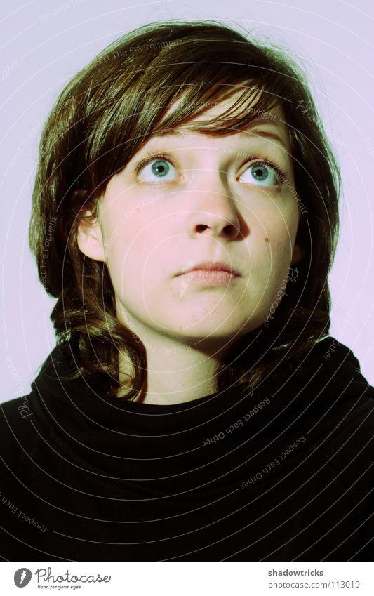 Bitte! Frau violett magenta Wunsch Porträt schwarz Haare & Frisuren Trauer süß Mensch Blick blau Auge Augenrollen Gesicht Bitte bitte Traurigkeit