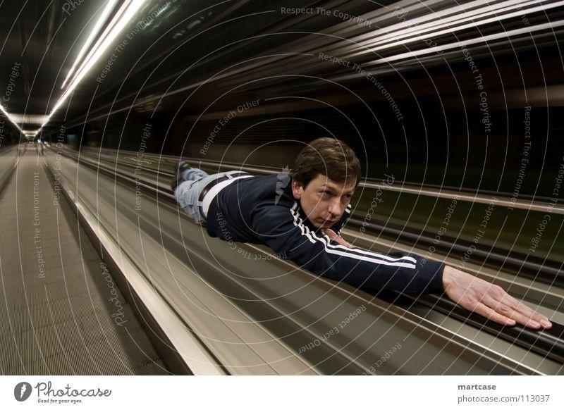 Rolltreppensurfing dunkel Wege & Pfade Bewegung fliegen laufen Verkehr Geschwindigkeit Zukunft Wandel & Veränderung Flügel bedrohlich Internet fahren