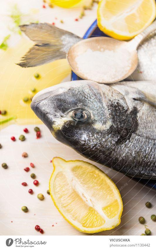 Dorado Fisch mit Zutaten für Kochen Lebensmittel Frucht Kräuter & Gewürze Öl Ernährung Mittagessen Abendessen Festessen Bioprodukte Vegetarische Ernährung Diät