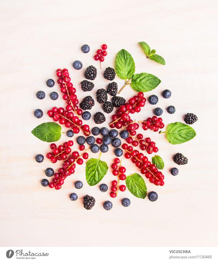 Sommer Beeren Composing Natur Gesunde Ernährung rot Leben Stil Lifestyle Garten Lebensmittel Design Frucht Tisch Kräuter & Gewürze Küche Bioprodukte