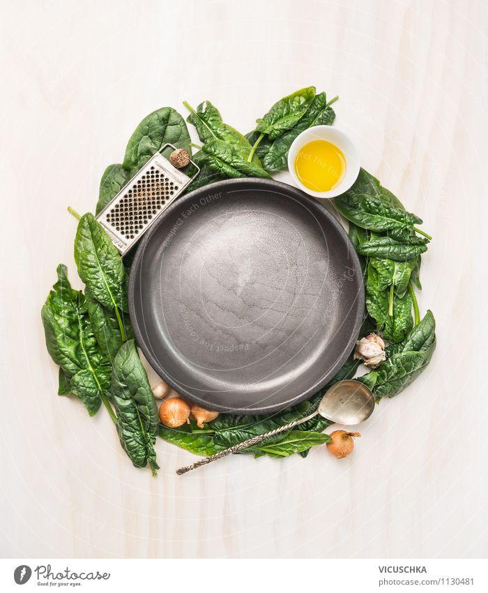 Leere Teller und Zutaten für Spinatgerichte Natur Gesunde Ernährung Leben Speise Stil Hintergrundbild Lebensmittel Design Kräuter & Gewürze Gemüse Bioprodukte