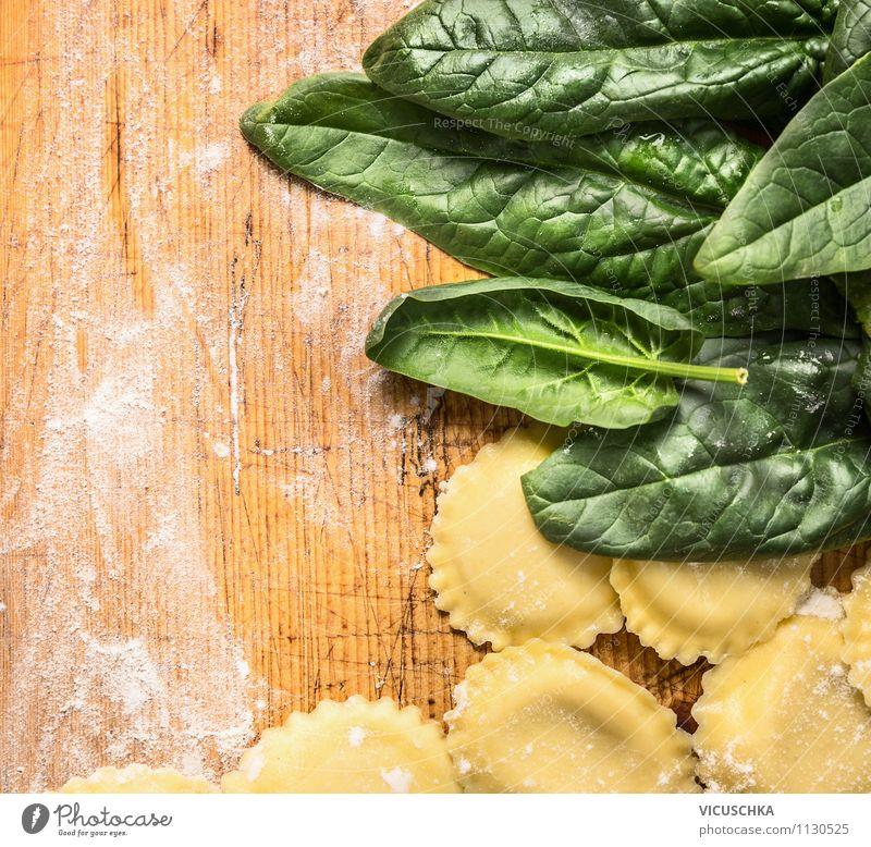 Ravioli mit Spinat Gesunde Ernährung Leben Speise Stil Hintergrundbild Lebensmittel Design Kochen & Garen & Backen Gemüse Bioprodukte Top Abendessen Diät