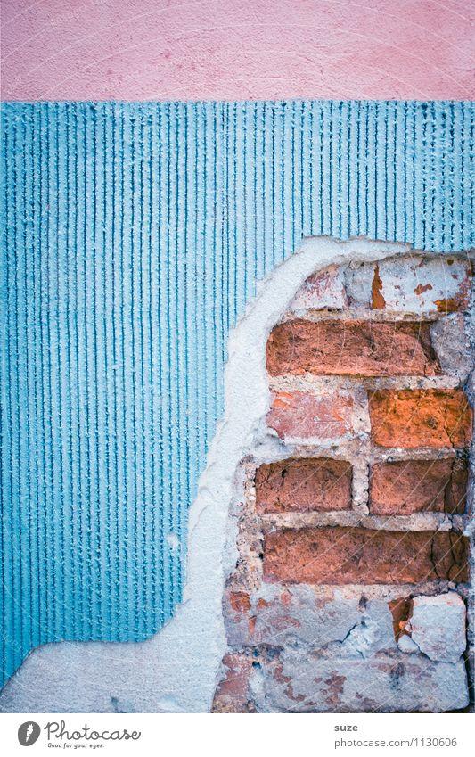 Innere Werte Kunst Kunstwerk Haus Mauer Wand Fassade alt authentisch dreckig kaputt blau rosa rot Verfall Vergangenheit Vergänglichkeit Wandel & Veränderung
