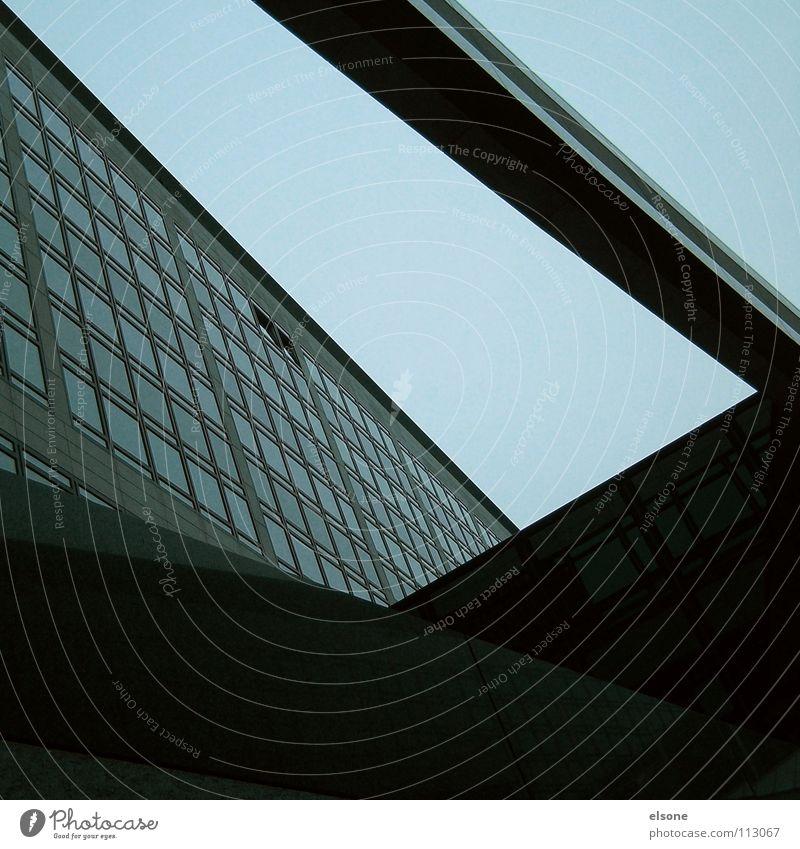 ::SHADOWTRICKS:: komplex Beton Gebäude dunkel verzweigt Fenster Fassade Hochhaus grau schwarz Arbeit & Erwerbstätigkeit Beruf Stress Eile Erholung Stuttgart
