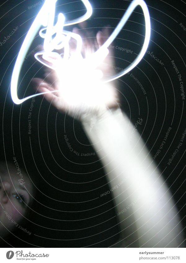 touch Hand Gesicht dunkel Lampe außergewöhnlich Angst Kraft Zufriedenheit Arme Energiewirtschaft Erfolg gefährlich Finger bedrohlich Macht Medien