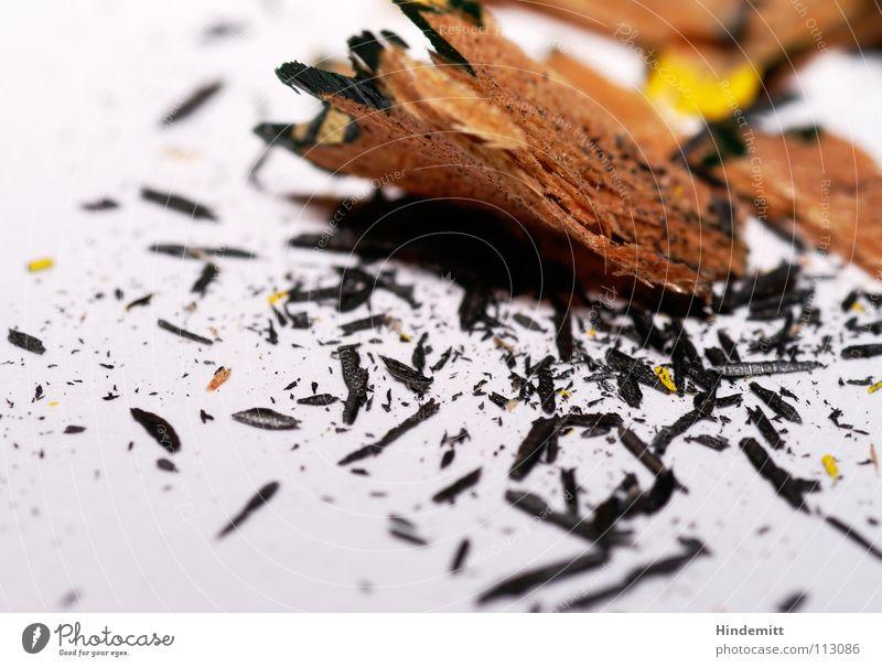 Spitzerdreck III weiß schwarz Holz grau dreckig Bildung streichen schreiben Schreibtisch Schreibstift Lack Bleistift Maserung Splitter Missgeschick