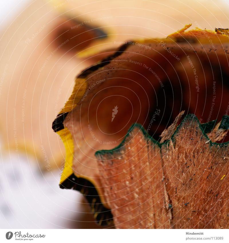 Spitzerdreck VI weiß schwarz Holz grau dreckig Bildung streichen schreiben Schreibtisch Schreibstift Lack Bleistift Maserung Splitter Missgeschick