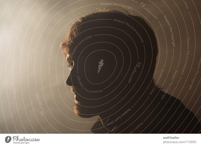 smoki thoughts Mann Gedanke Fernweh Nebel Licht Bart Silhouette Porträt braun schön man Rauch smoke Schatten light shadow Profil Gesicht Kopf