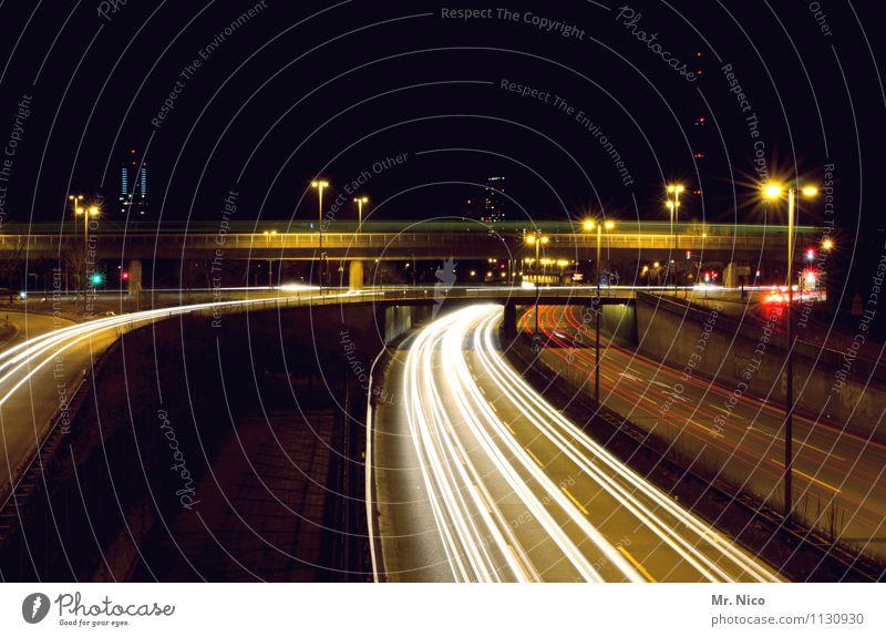 stadtrundfahrt Stadt dunkel schwarz gelb Straße Freizeit & Hobby PKW Verkehr Geschwindigkeit Brücke Straßenbeleuchtung Laterne Skyline Verkehrswege Stress