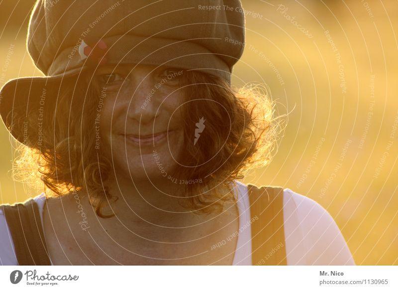 unser sommer Sommer feminin Frau Erwachsene Gesicht Sonnenlicht Mütze Locken Freundlichkeit Glück schön natürlich Zufriedenheit Lebensfreude Vertrauen