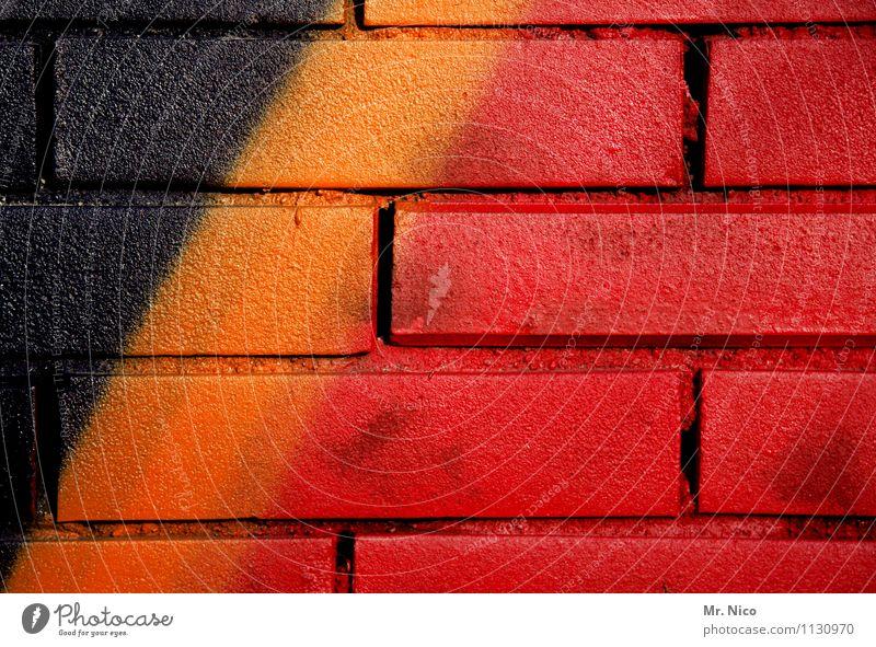 belgien Ferien & Urlaub & Reisen Städtereise Kunst Gebäude Mauer Wand Fassade Stein Zeichen Graffiti gold rot schwarz Belgien Streifen Europa Flandern Wallonien