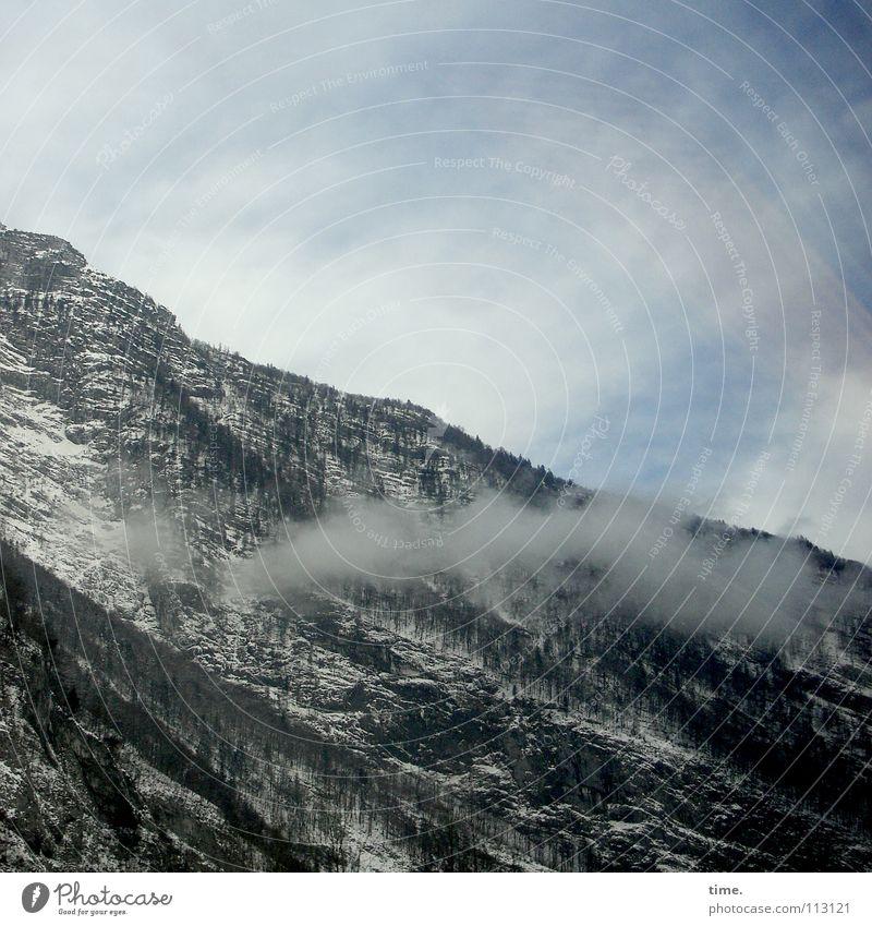 Der Berg raucht ja! staunte Lukas Himmel Wolken Winter Schnee Umwelt Berge u. Gebirge grau Nebel hoch Rauch Schlucht schlechtes Wetter Berghang Raureif Naturwuchs Schneise