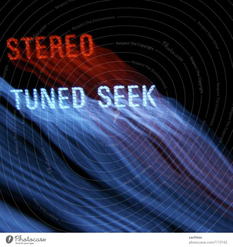 Musik, zwo drei vier .... stereo HiFi Streifen Licht erleuchten TFT-Bildschirm Komet Leuchtspur analog Freude Konzert Radio Tuner Receiver Lärmbelästigung
