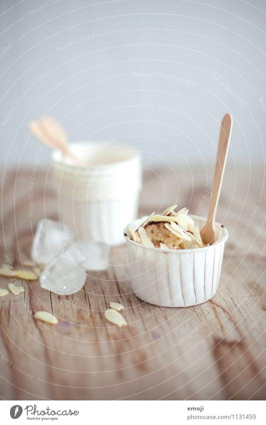 Baneneis Dessert Speiseeis Süßwaren Ernährung Picknick Fingerfood hell lecker süß Farbfoto Innenaufnahme Menschenleer Textfreiraum oben Hintergrund neutral Tag