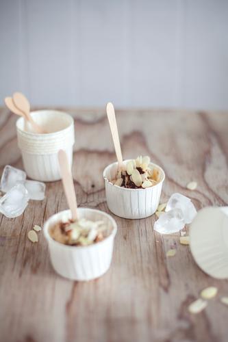 Bananeneis Sommer Ernährung Speiseeis süß lecker Süßwaren Dessert Picknick sommerlich Fingerfood