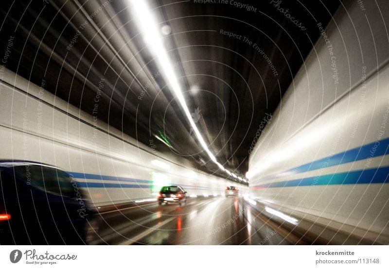 Auf der Jagd nach der verlorenen Zeit II Straße PKW Straßenverkehr Verkehr Geschwindigkeit fahren Güterverkehr & Logistik Rasen Mitarbeiter Schweiz Autobahn Tunnel Gesetze und Verordnungen Fahrzeug Eile