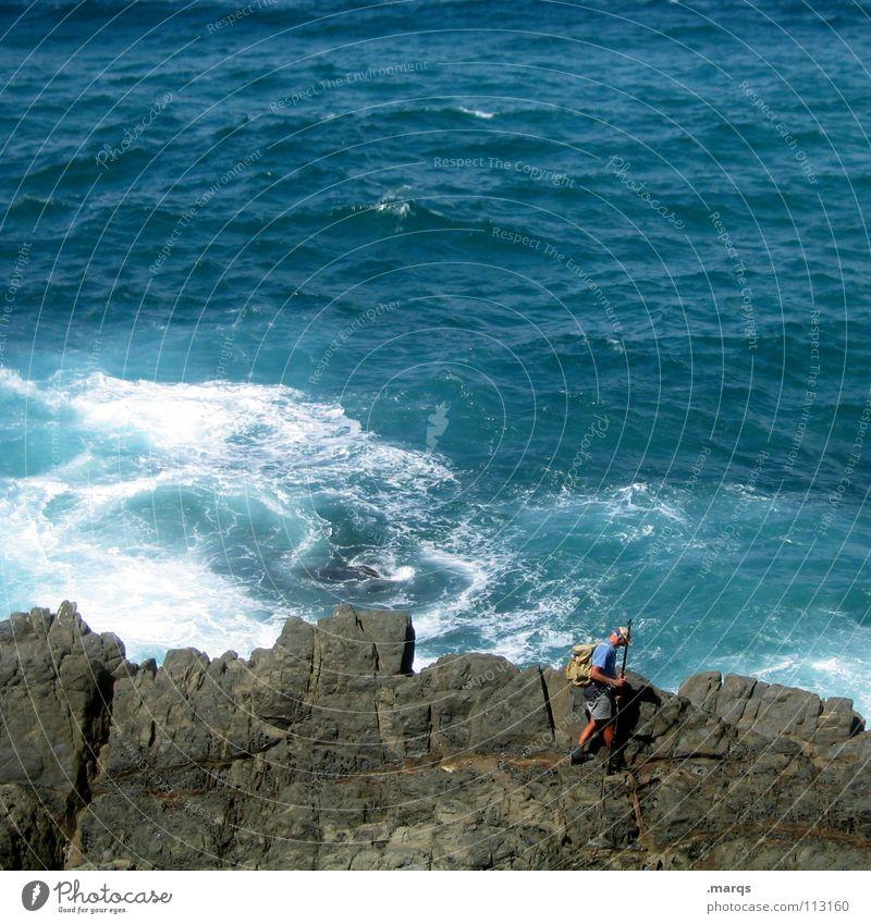 Fisherman Meer nass Klippe Ecke Stein Herr Mann Angler Angeln Fischer gehen Suche wandern Sommer Freizeit & Hobby Leidenschaft Wellen Brandung Strömung Gischt