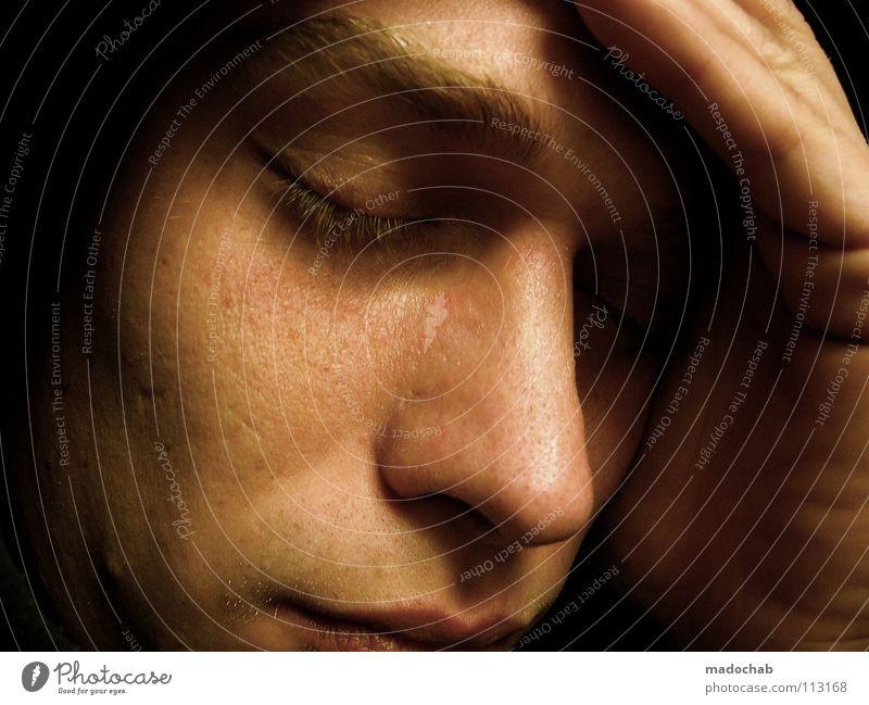 OSTERHASE Mann Porträt Mensch maskulin Gedanke angenehm untergehen Trauer Denken ruhig Sehnsucht nah zart Geistesabwesend Kopfschmerzen Fernweh Hand Gefühle