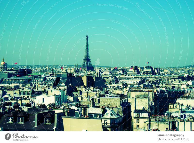 La vue d'un ramoneur Himmel blau Stadt Sommer Haus Architektur Wärme Kunst Verkehr Dach Bauwerk Physik heiß Schönes Wetter Aussicht Paris