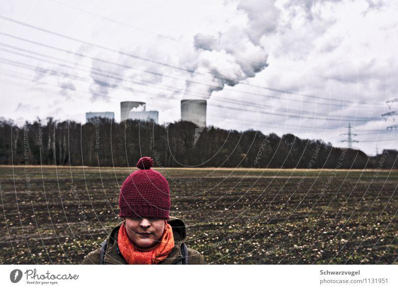 Rotkäppchen und das Kraftwerk Fortschritt Zukunft Energiewirtschaft Erneuerbare Energie Kernkraftwerk Kohlekraftwerk Energiekrise Mensch feminin Junge Frau