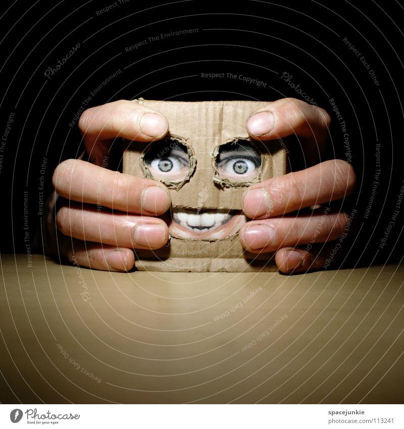 Living in a box (3) Mann Hand Freude Gesicht Tisch Maske Spielzeug Quadrat verstecken Puppe skurril Karton Freak Humor Versteck Handpuppe