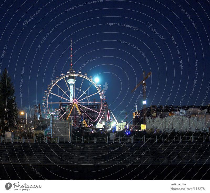 Berlin Zentrum Ost Alexanderplatz Riesenrad Weihnachtsmarkt Vollmond Palast Palast der Republik Kran Baukran Baustelle Nacht Nachthimmel Langzeitbelichtung