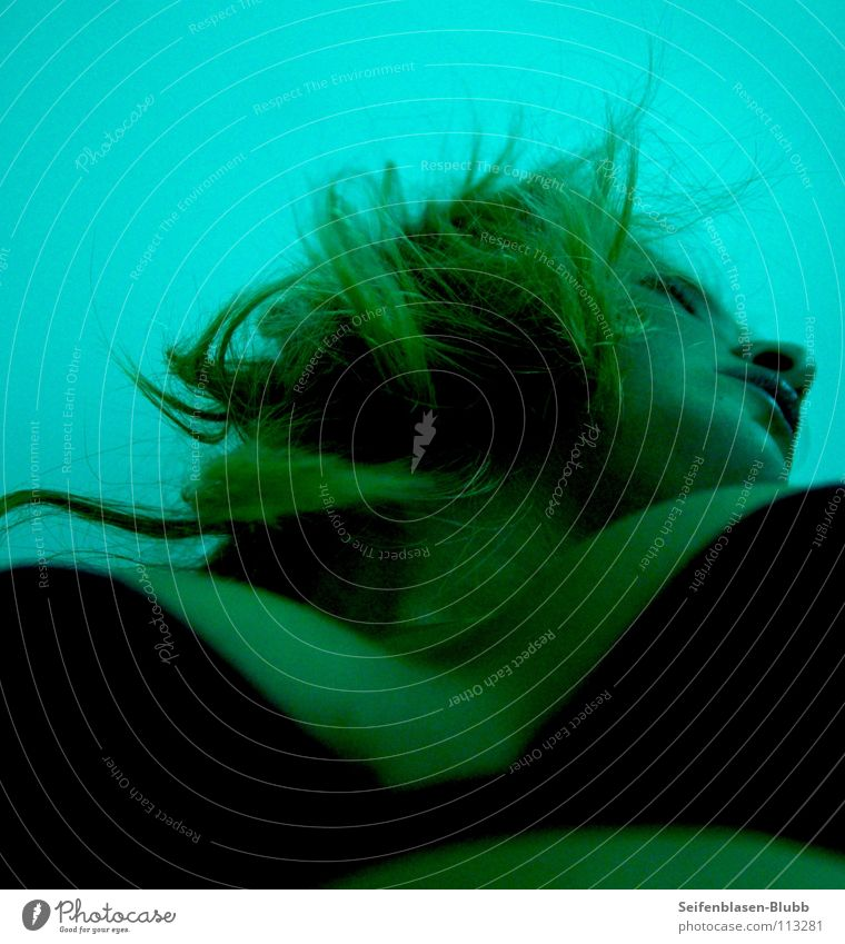 Männerperspektive Frau schwarz Farbe blond Frauenbrust Bett Brust Bauch türkis Lust Unterwäsche durcheinander BH