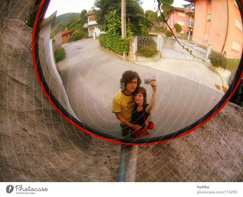 Bild vom Spiegelbild Frau Mensch Mann Sommer Freude Ferien & Urlaub & Reisen Liebe Haus Straße Wand Mauer Paar Fotografie Freizeit & Hobby Fotokamera Italien