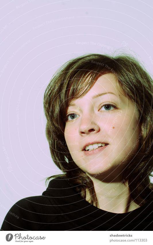 Jo Hanna – 2te Porträt Frau violett magenta Cross Processing Hoffnung Naivität Haare & Frisuren Mensch blau Gesicht Auge lachen schön Freude