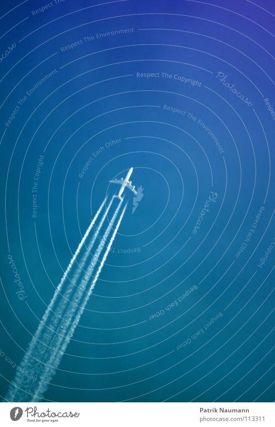 Auf und Davon Flugzeug Abdeckung Himmel technisch weiß Streifen 4 Luftverkehr airplane flying fly away fliegen sky blau blue Kerosin Technik & Technologie