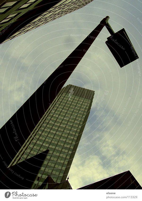 ::NEULICH:: Himmel Stadt Haus kalt Arbeit & Erwerbstätigkeit Herbst Gebäude Schilder & Markierungen Beton Hochhaus Turm Stahl Frankfurt am Main Main bedecken