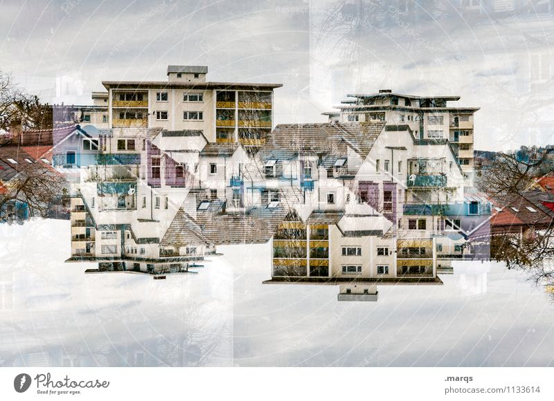 MFH Himmel Wolken Haus Leben außergewöhnlich Häusliches Leben verrückt Perspektive Doppelbelichtung Symmetrie Immobilienmarkt