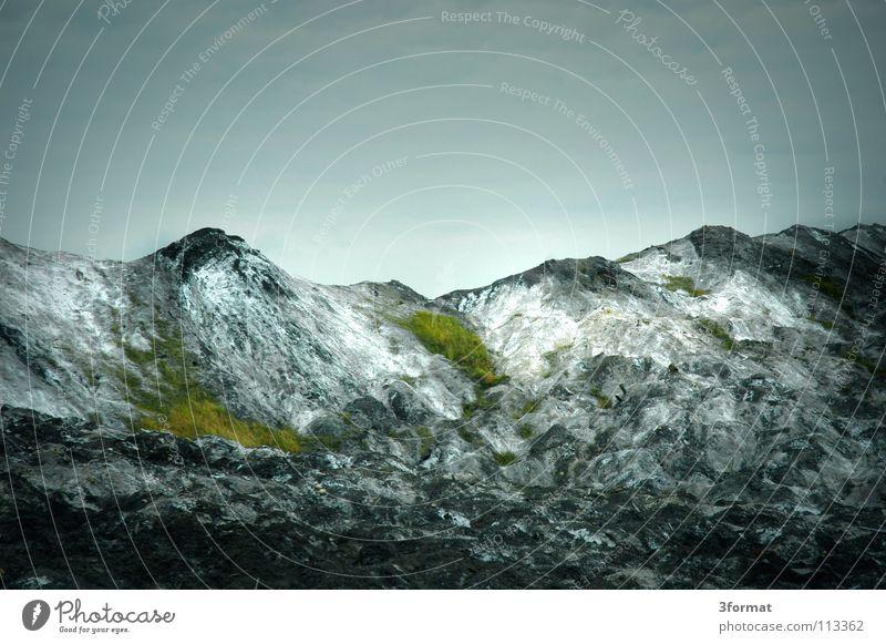 mansfelder land02 alt ruhig Einsamkeit dunkel Tod Berge u. Gebirge grau Traurigkeit Landschaft Wetter Trauer trist Industriefotografie Wüste Müll