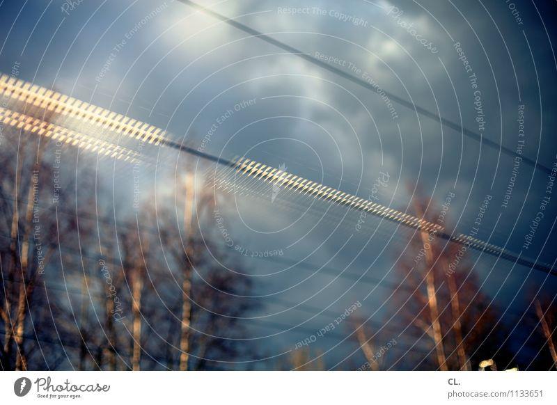 durchzug Umwelt Natur Himmel Wolken Klima Wetter Baum Verkehr Bahnfahren Schienenverkehr Abteilfenster Bewegung Farbfoto Menschenleer Reflexion & Spiegelung