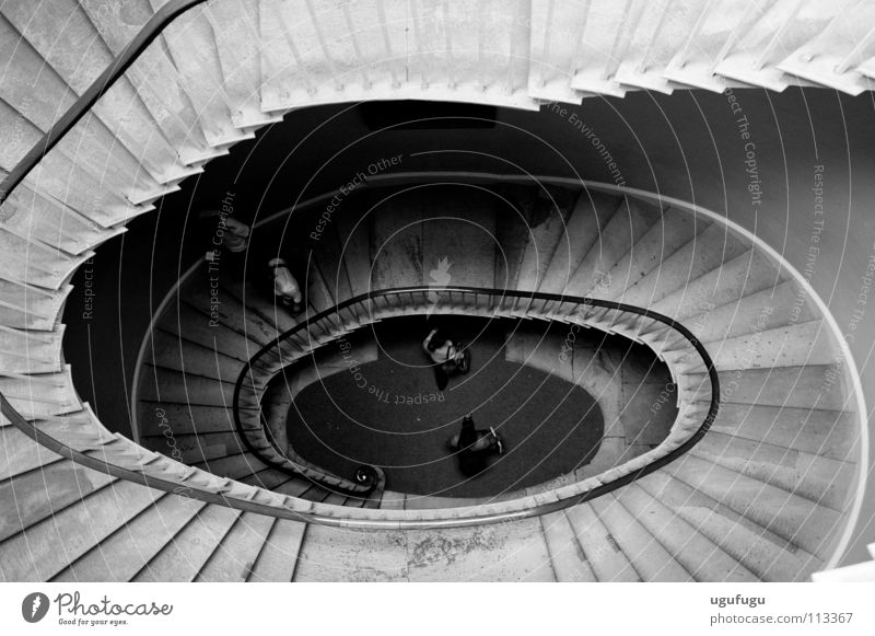 Anticlockwise Oval historisch stairs spiral black white steps down Oxford bird's eye view
